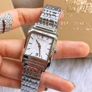 New Burberry Women's BU1572 Nova Checked Watch